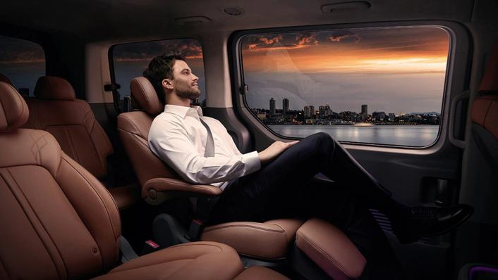 2021 Hyundai Staria Interior 002