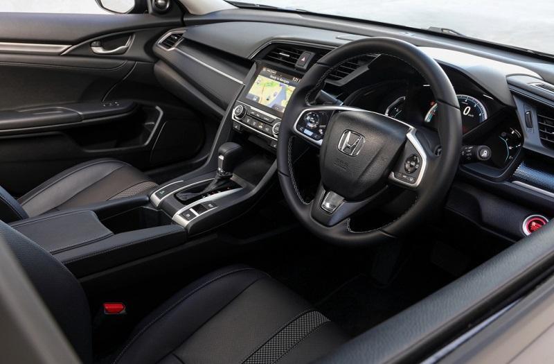 Honda Civic Turbo dan Toyota Corolla Altis Gratis Jasa Servis, Mana yang Biaya Perawatannya Paling Murah? 02