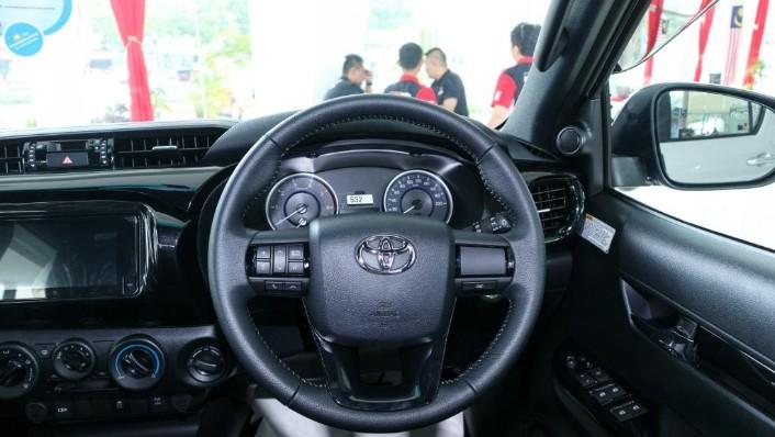 Toyota Hilux 2019 Interior 005