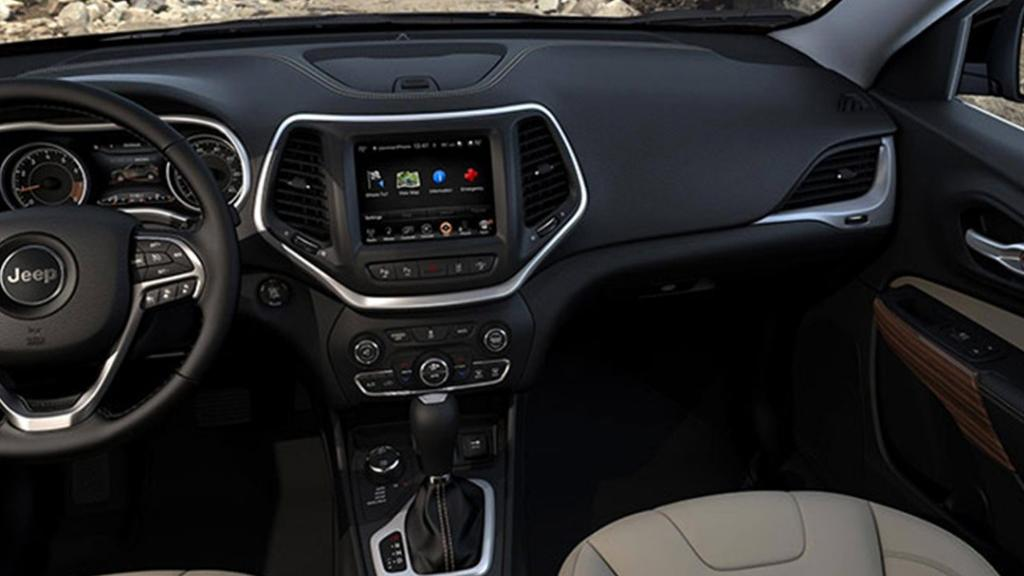 Jeep Cherokee 2019 Interior 001