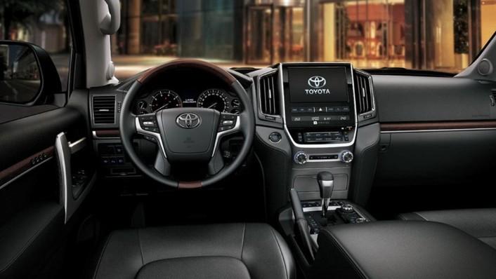Toyota Land Cruiser 2019 Interior 001