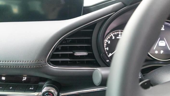 Mazda 3 2019 Interior 005