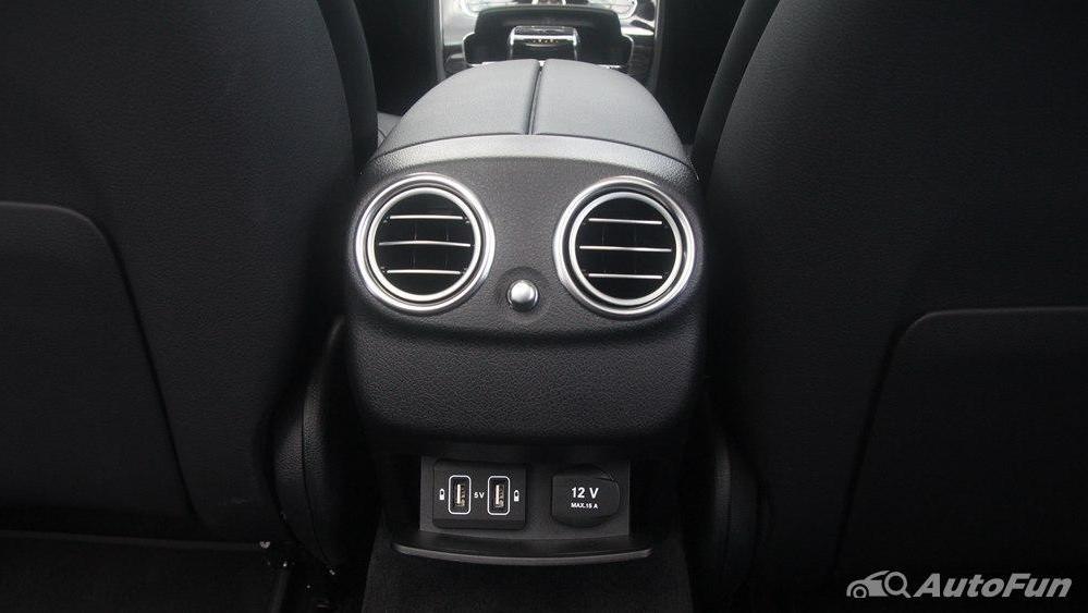 Mercedes-Benz E-Class 2019 Interior 027