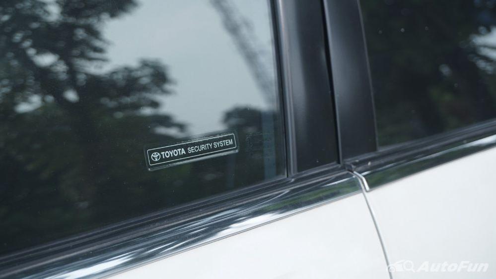 Toyota Avanza Veloz 1.3 MT Exterior 033