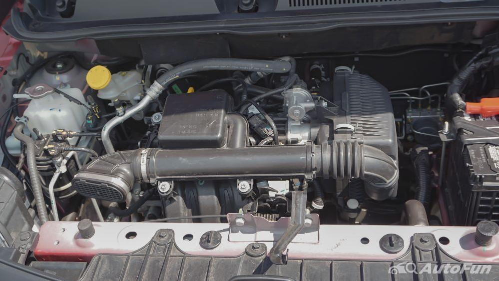 Renault Triber RXZ MT Others 002