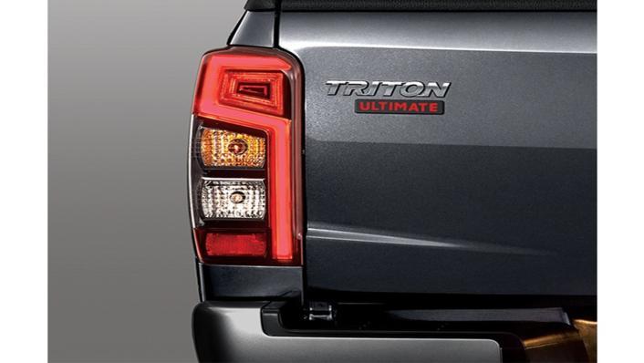 Mitsubishi Triton Exceed MT Double Cab 4WD Exterior 007