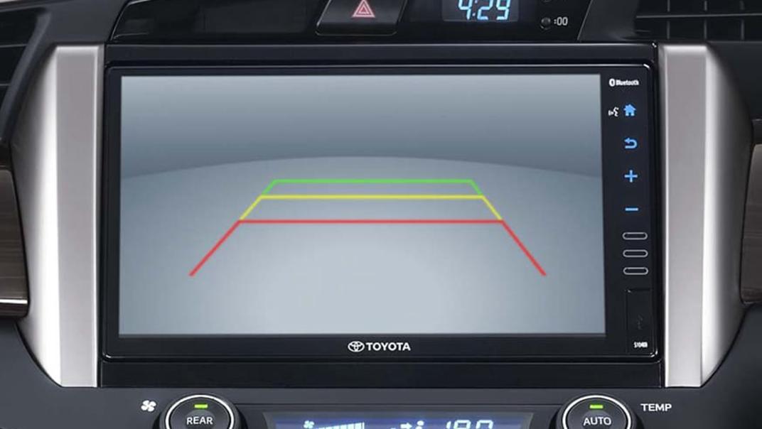 2020 Toyota Kijang Innova 2.0 V Luxury A/T Interior 003