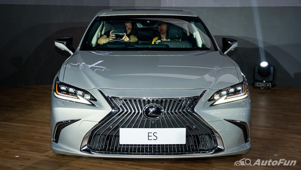 Overview Mobil: Harga terbaru 2020-2021 All New Lexus ES beserta daftar biaya cicilannya 01