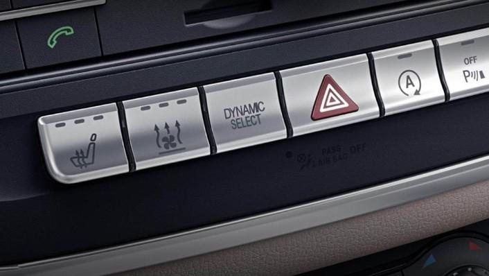 Mercedes-Benz CLA-Class 2019 Interior 008