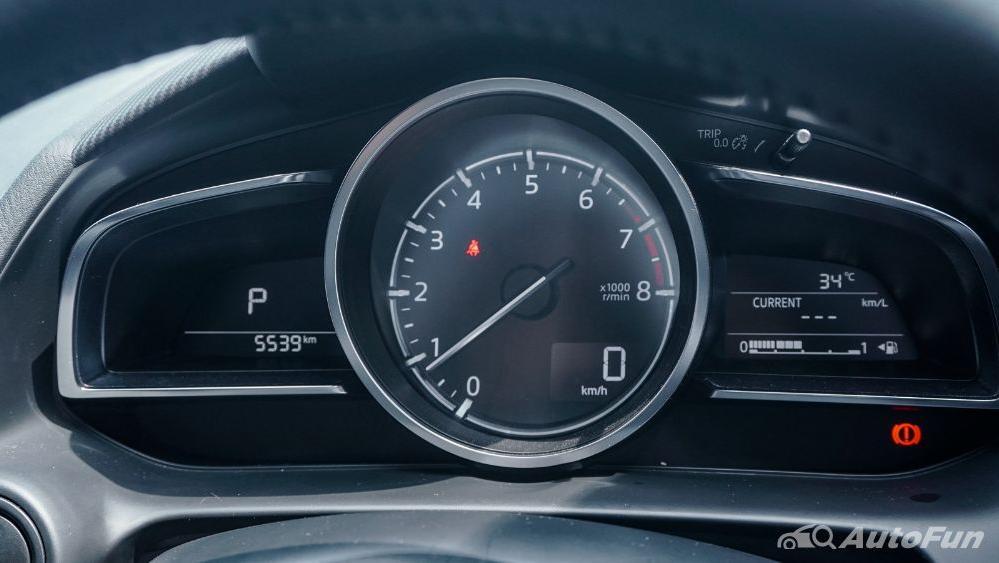 Mazda 2 GT AT Interior 016