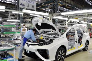 Krisis Chip Semikonduktor dan Covid-19 Bikin Toyota Pangkas Produksi Hingga 40 Persen, Ini Kata Toyota Indonesia
