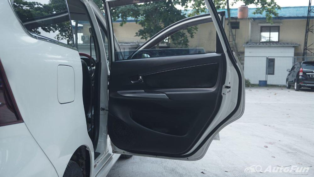 Toyota Avanza Veloz 1.3 MT Interior 034