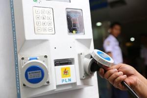 Jangan Takut ke Luar Kota Pakai Mobil Listrik, Ini Daftar Lengkap Tempat Ngecas Baterainya di Seluruh Indonesia