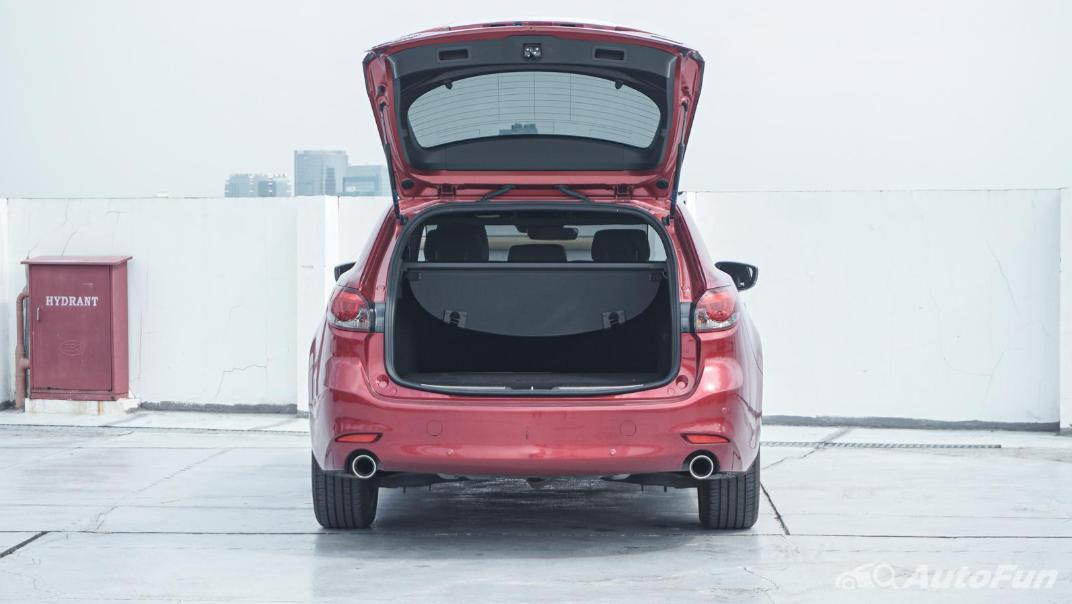 Mazda 6 Elite Estate Interior 082