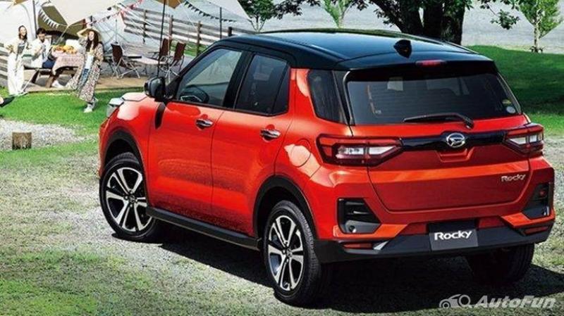 Daihatsu Rocky vs Suzuki Ignis