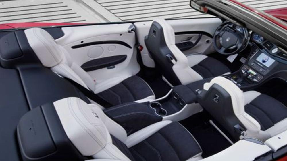Maserati Grancabrio 2019 Interior 008