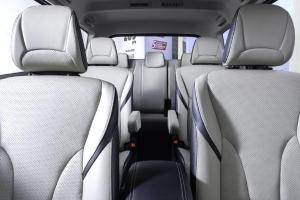 Tarung Mobil Keluarga, Ini Beda Kepraktisan Wuling Cortez CT Type S dan Mitsubishi Xpander