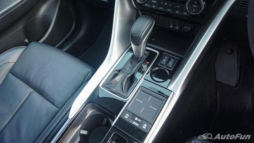 Mitsubishi Eclipse Cross 1.5L Interior 032