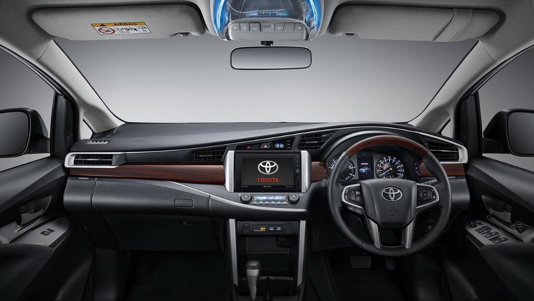 2020 Toyota Kijang Innova 2.0 V A/T Interior 001