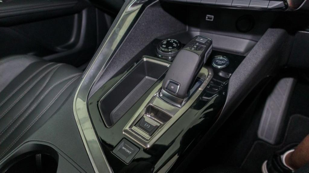 Peugeot 5008 2019 Interior 018