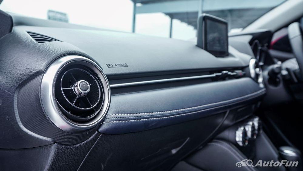 Mazda 2 GT AT Interior 037