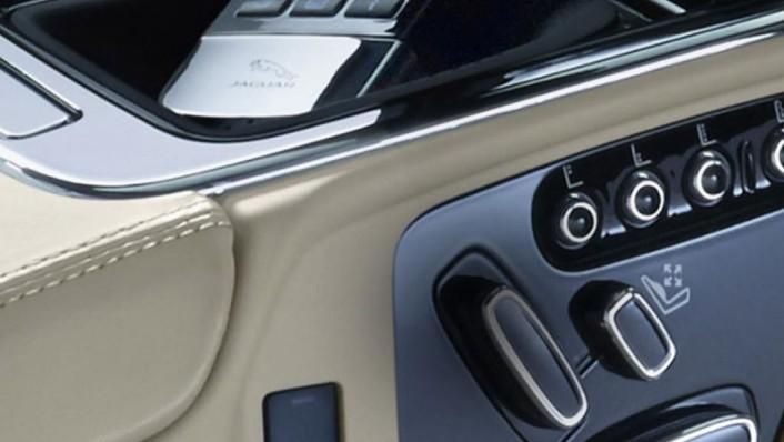 Jaguar XJ 2019 Interior 002
