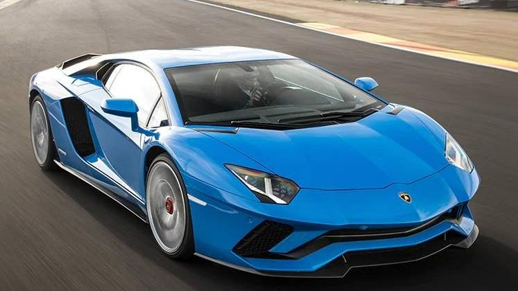 Lamborghini Aventador 2019 Exterior 037