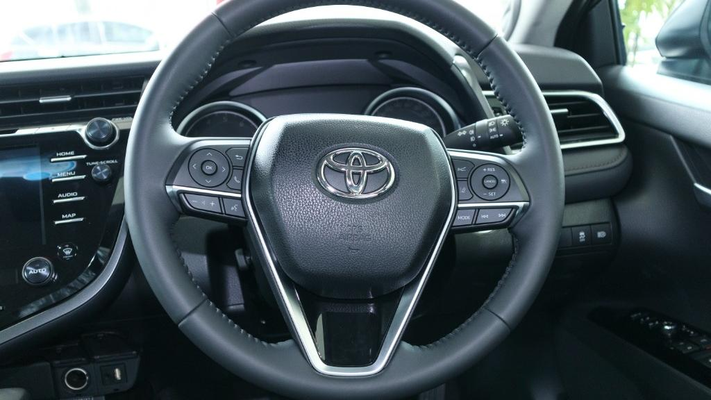 Toyota Camry 2019 Interior 006