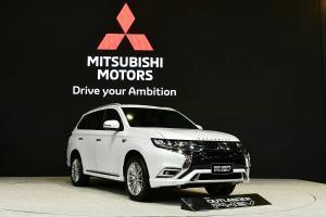 Mitsubishi Outlander PHEV 2021 Mulai Diproduksi di Thailand, Pertama di Luar Jepang