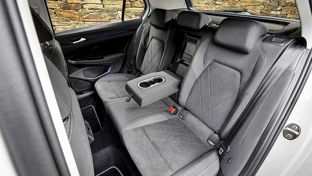 Volkswagen Golf 2019 Interior 092