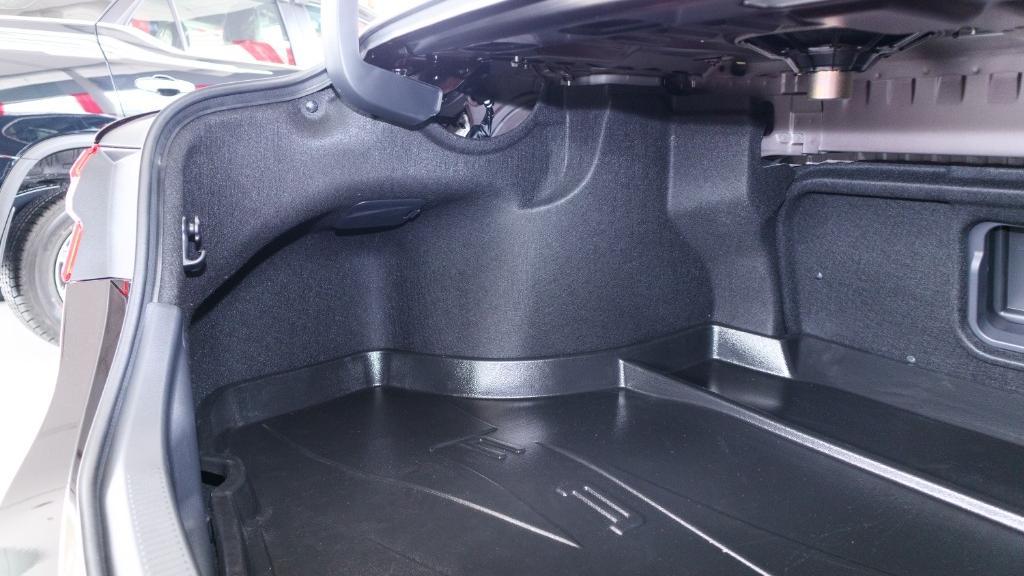Toyota Camry 2019 Interior 039