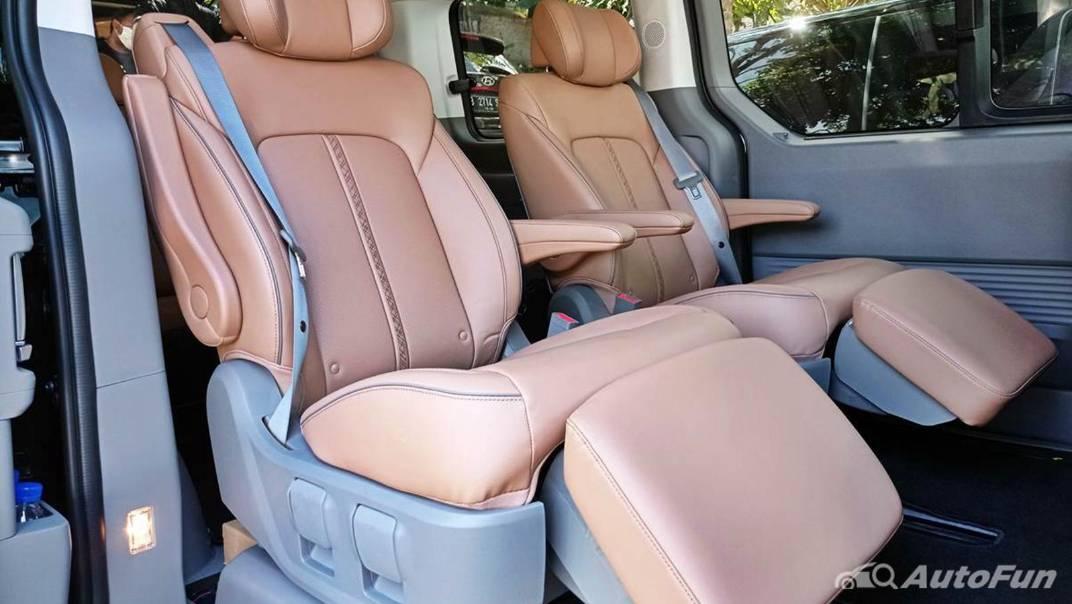 2021 Hyundai Staria Signature 7 Interior 006