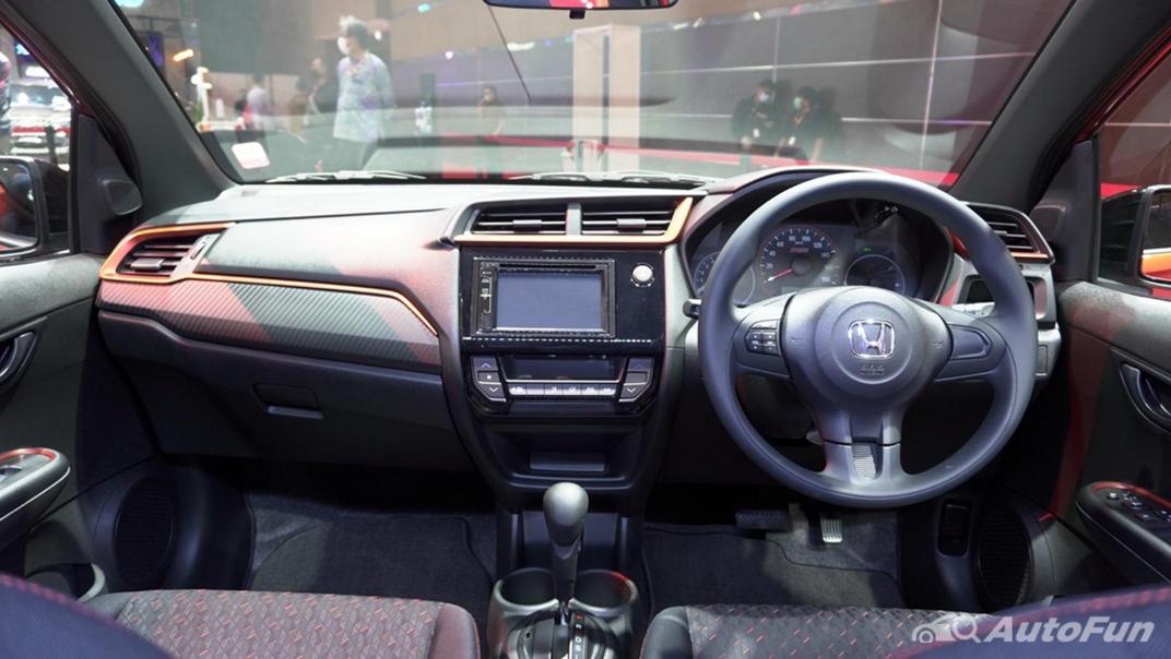 Honda Brio RS CVT Interior 029
