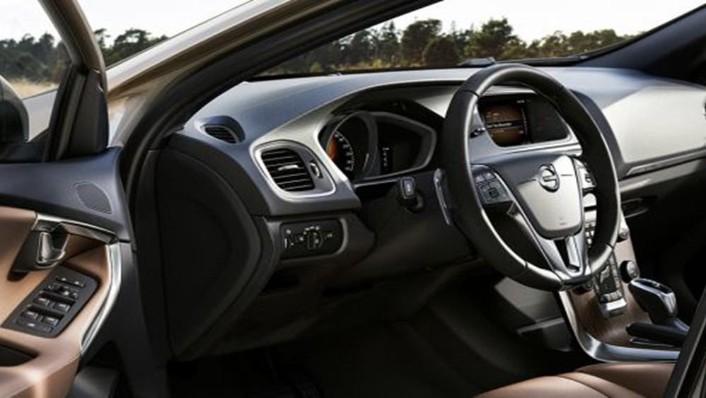 Volvo V40 Cross Country 2019 Interior 004
