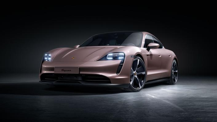 2021 Porsche Taycan Exterior 001