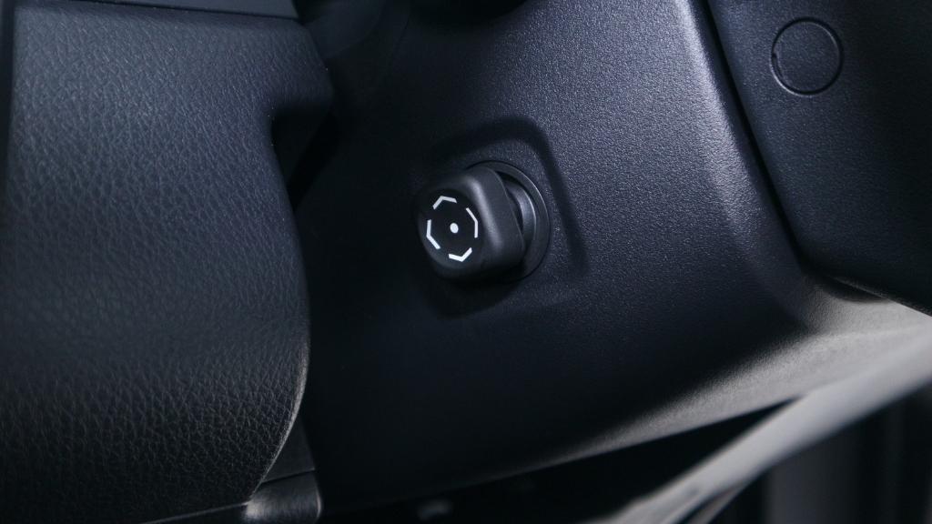 Toyota Camry 2019 Interior 022