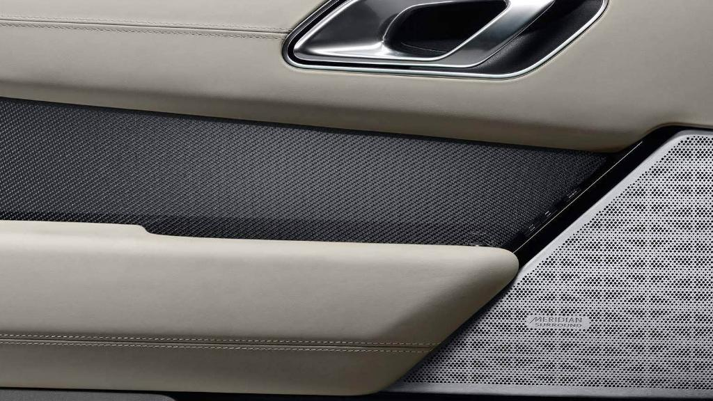 Land Rover Range Rover Velar 2019 Interior 011
