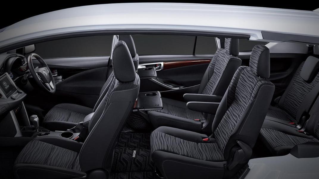 2020 Toyota Kijang Innova 2.0 V A/T Interior 006
