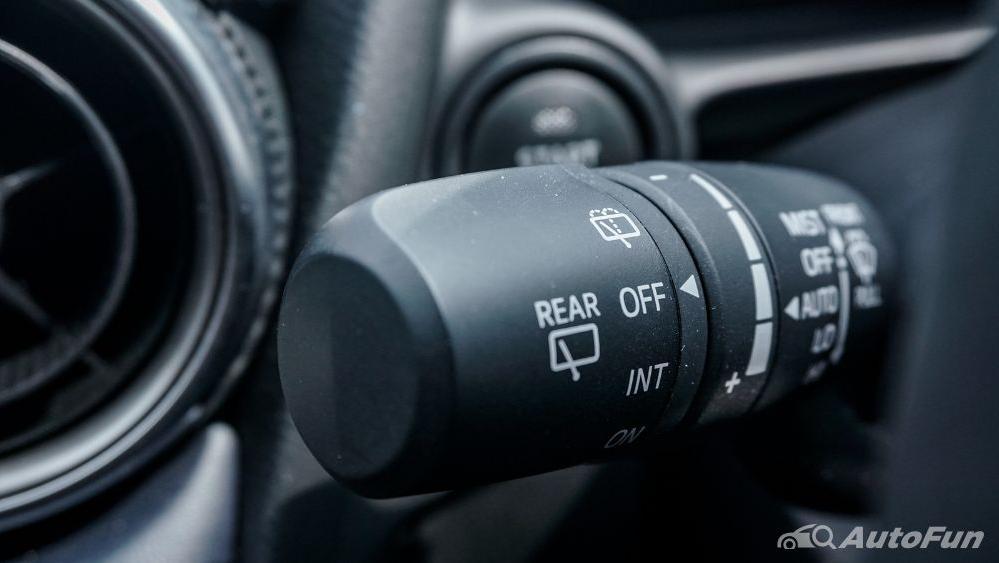 Mazda 2 GT AT Interior 015