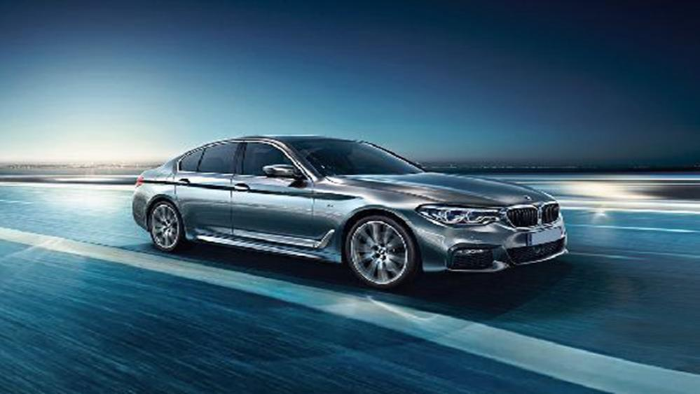 BMW 5 Series Sedan 2019 Exterior 001