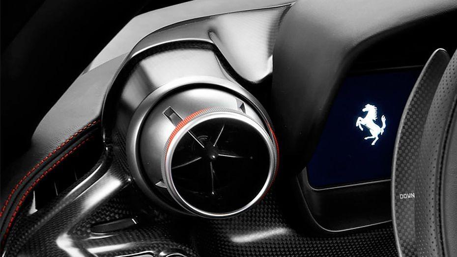 Ferrari F8 Tributo 2019 Interior 005