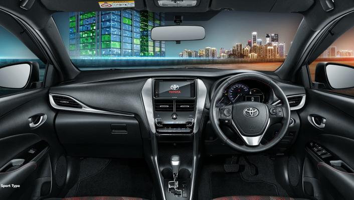 2021 Toyota Yaris 1.5 S CVT GR Sport 7 AB Interior 001