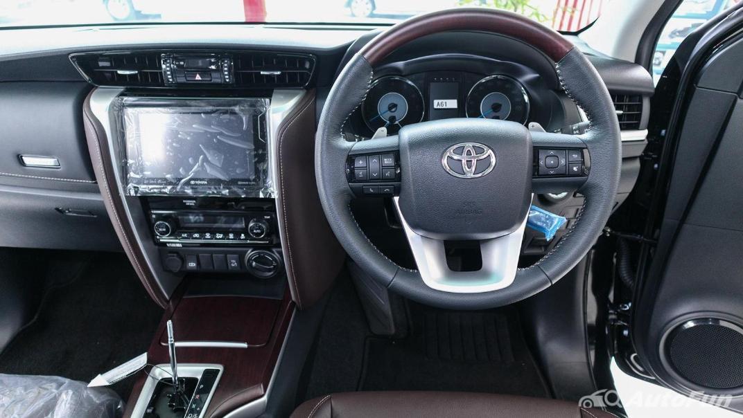 Toyota Fortuner 2019 Interior 003