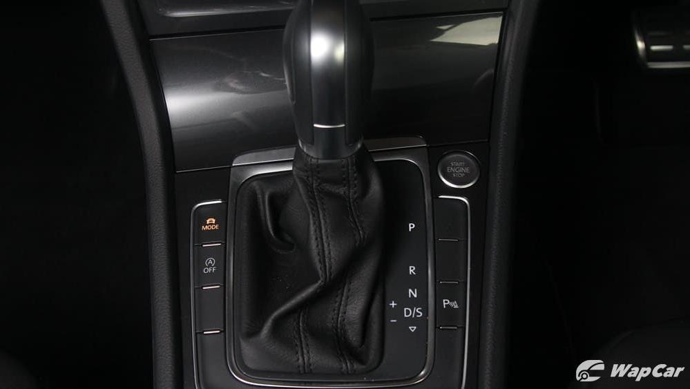 Volkswagen Golf 2019 Interior 012