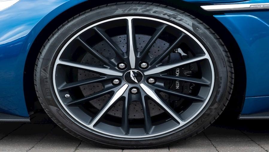 Aston Martin Vanquish 2019 Exterior 018