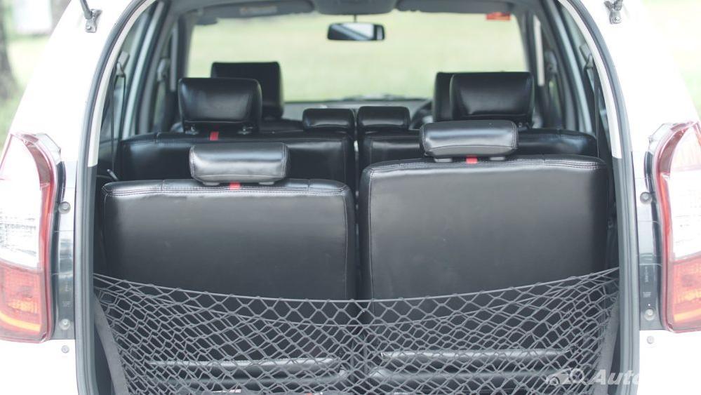 Toyota Avanza Veloz 1.3 MT Interior 050
