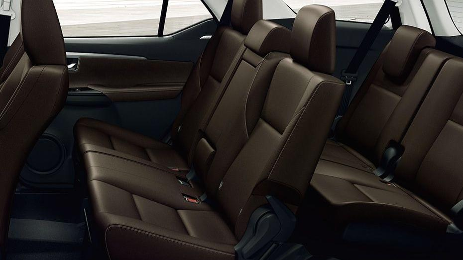 Toyota Fortuner 2019 Interior 052