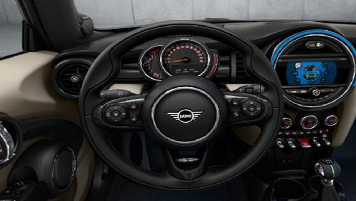 MINI Convertible 2019 Interior 002