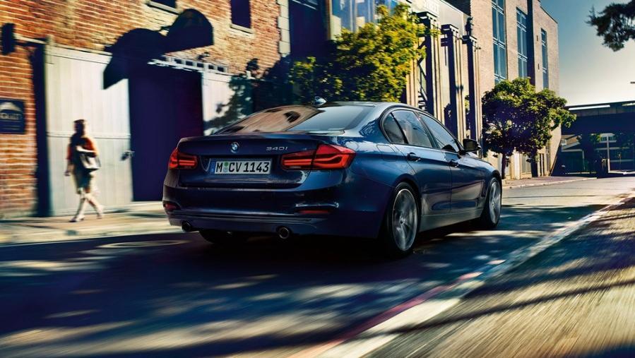 BMW 3 Series Sedan 2019 Exterior 004