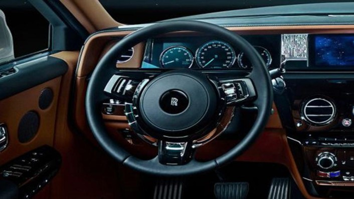 Rolls Royce Phantom 2019 Interior 002